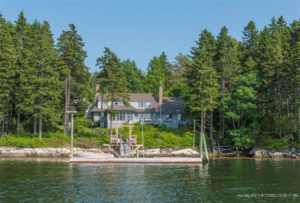 15 Albion Point Road,  Boothbay (MLS 1262210)